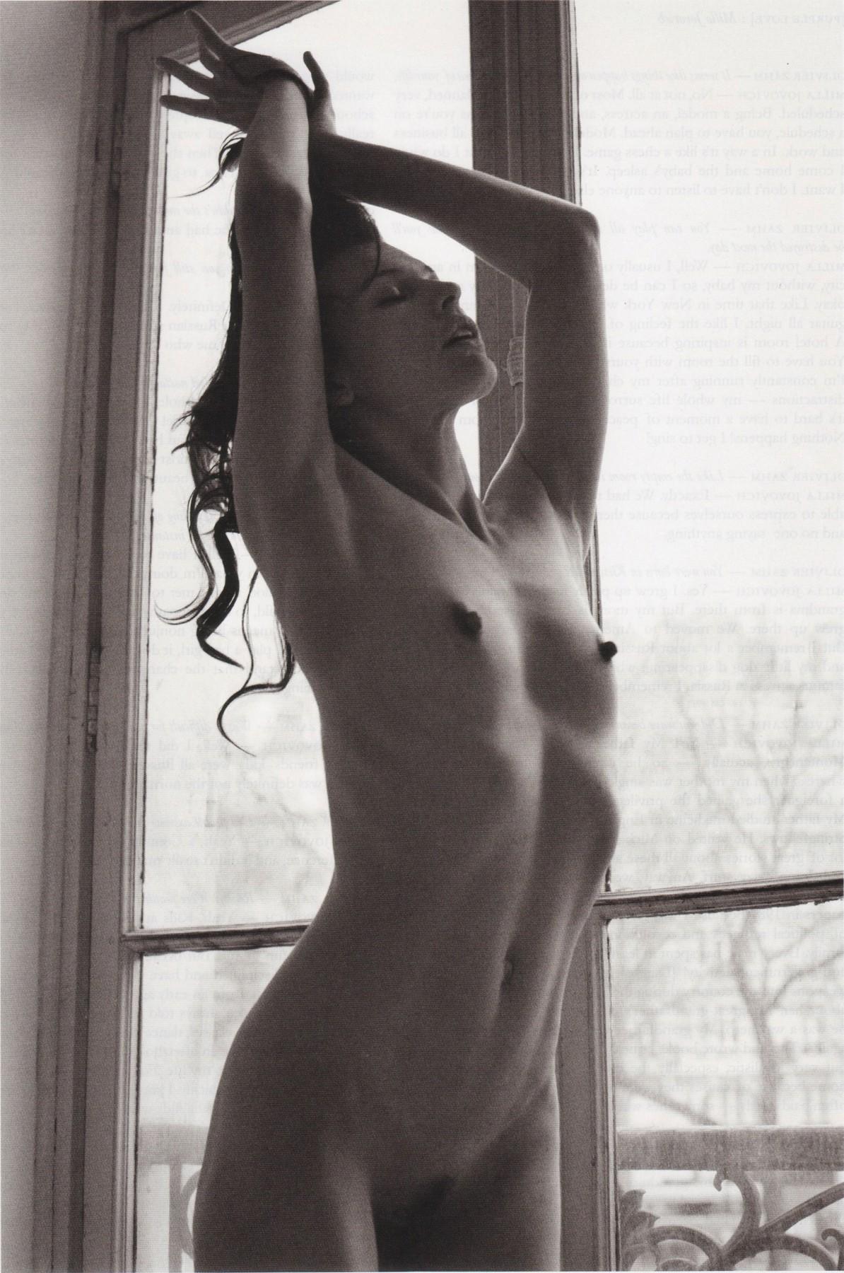 Milla jovovich sexy nude
