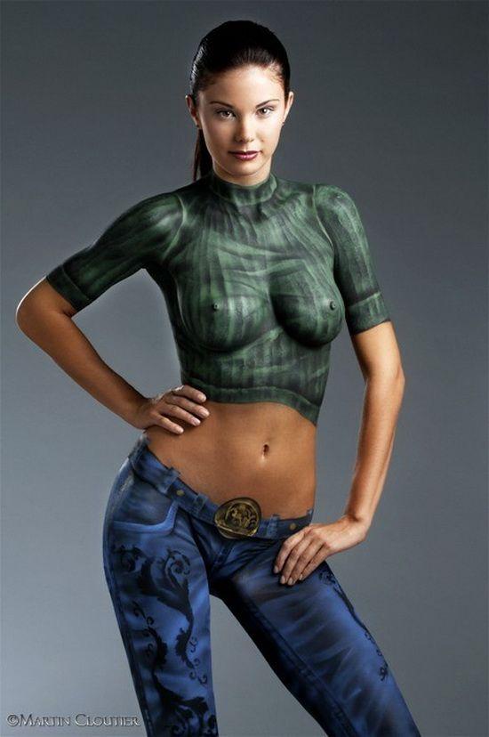 Эро фото девушки в нарисованной одежде — pic 7