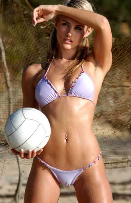 sport-sexy-Volley-girl-1